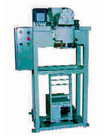 Filling and packaging equipment for packaging of bulk products